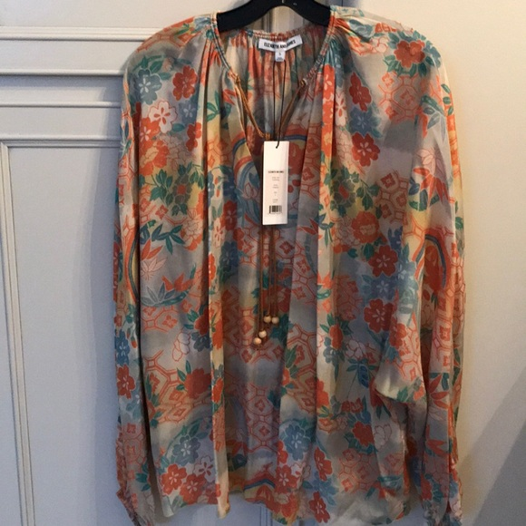ab2c5650ceabe1 Brand new Elizabeth and James chance silk blouse